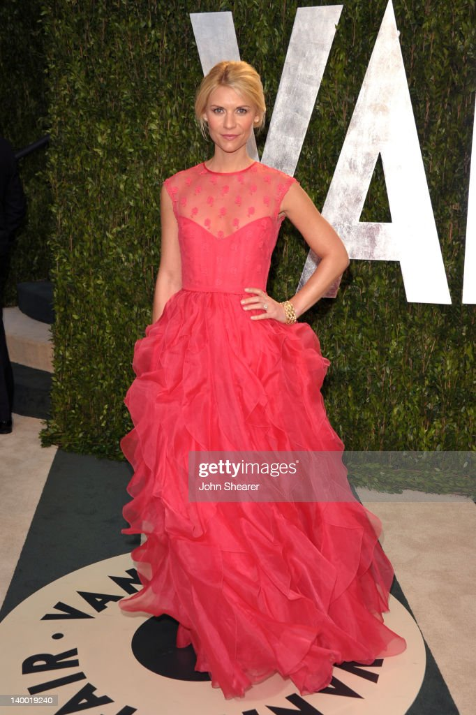 Actress Claire Danes arrives at the 2012 Vanity Fair Oscar Party hosted by Graydon Carter at Sunset Tower on February 26, 2012 in West Hollywood, California.