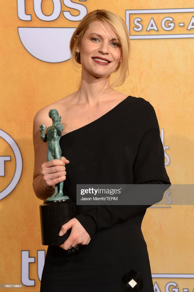 Actress <a gi-track='captionPersonalityLinkClicked' href=/galleries/search?phrase=Claire+Danes&family=editorial&specificpeople=202666 ng-click='$event.stopPropagation()'>Claire Danes</a> attends the 19th Annual Screen Actors Guild Awards at The Shrine Auditorium on January 27, 2013 in Los Angeles, California. (Photo by Jason Merritt/WireImage) 23116_014_3331.JPG