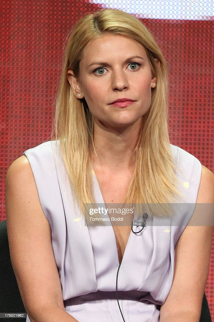 Actress <a gi-track='captionPersonalityLinkClicked' href=/galleries/search?phrase=Claire+Danes&family=editorial&specificpeople=202666 ng-click='$event.stopPropagation()'>Claire Danes</a> of the TV show 'Homeland' attends the Television Critic Association's Summer Press Tour - CBS/CW/Showtime panels held at The Beverly Hilton Hotel on July 29, 2013 in Beverly Hills, California.