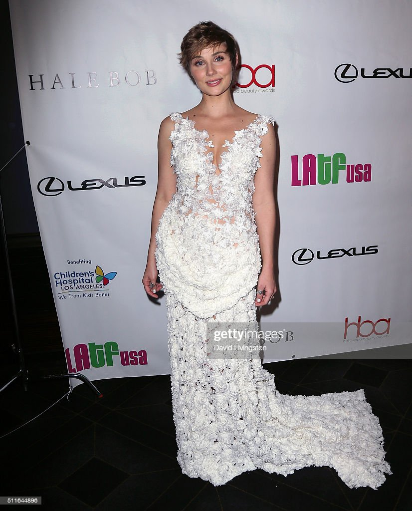 Actress Clare Bowen attends the 2nd Annual Hollywood Beauty Awards benefiting Children's Hospital Los Angeles at Avalon Hollywood on February 21 2016...