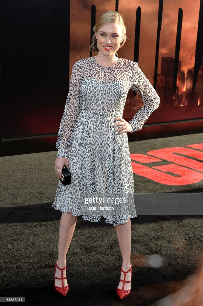 Actress <a gi-track='captionPersonalityLinkClicked' href=/galleries/search?phrase=Clare+Grant&family=editorial&specificpeople=4122159 ng-click='$event.stopPropagation()'>Clare Grant</a> attends the premiere of Warner Bros. Pictures and Legendary Pictures' 'Godzilla' at Dolby Theatre on May 8, 2014 in Hollywood, California.