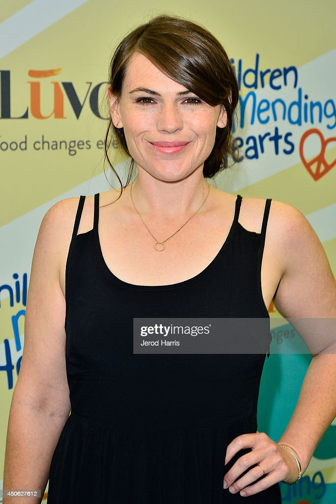 Actress <a gi-track='captionPersonalityLinkClicked' href=/galleries/search?phrase=Clea+Duvall&family=editorial&specificpeople=1541417 ng-click='$event.stopPropagation()'>Clea Duvall</a> arrives at Children Mending Hearts' 6th Annual Fundraiser 'Empathy Rocks: A Spring Into Summer Bash' on June 14, 2014 in Beverly Hills, California.