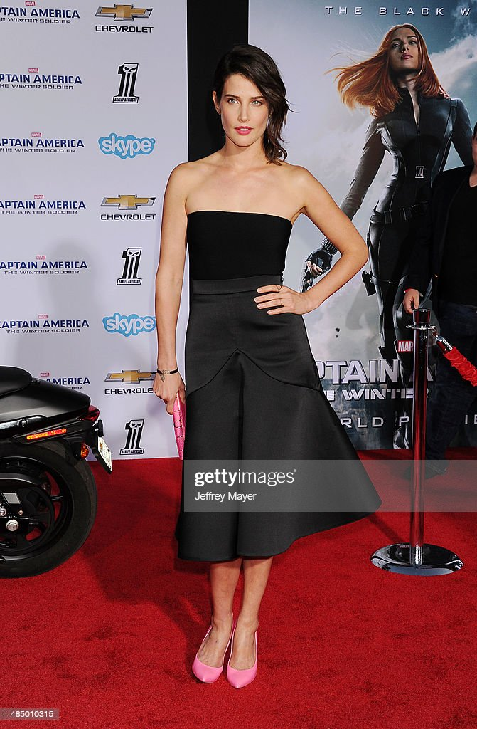 Actress <a gi-track='captionPersonalityLinkClicked' href=/galleries/search?phrase=Cobie+Smulders&family=editorial&specificpeople=739940 ng-click='$event.stopPropagation()'>Cobie Smulders</a> arrives at the Los Angeles premiere of 'Captain America: The Winter Soldier' at the El Capitan Theatre on March 13, 2014 in Hollywood, California.