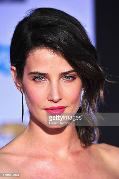 Actress Cobie Smulders arrives at the premiere Of Marvel's 'Captain AmericaThe Winter Soldier at the El Capitan Theatre on March 13 2014 in Hollywood...