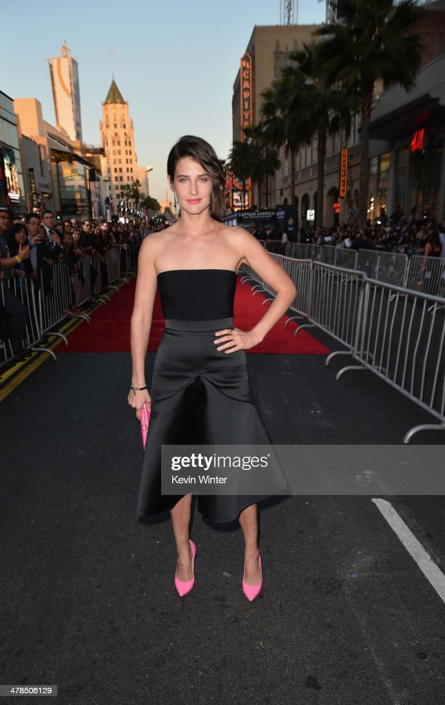 Actress <a gi-track='captionPersonalityLinkClicked' href=/galleries/search?phrase=Cobie+Smulders&family=editorial&specificpeople=739940 ng-click='$event.stopPropagation()'>Cobie Smulders</a> attends the premiere of Marvel's 'Captain America: The Winter Soldier' at the El Capitan Theatre on March 13, 2014 in Hollywood, California.
