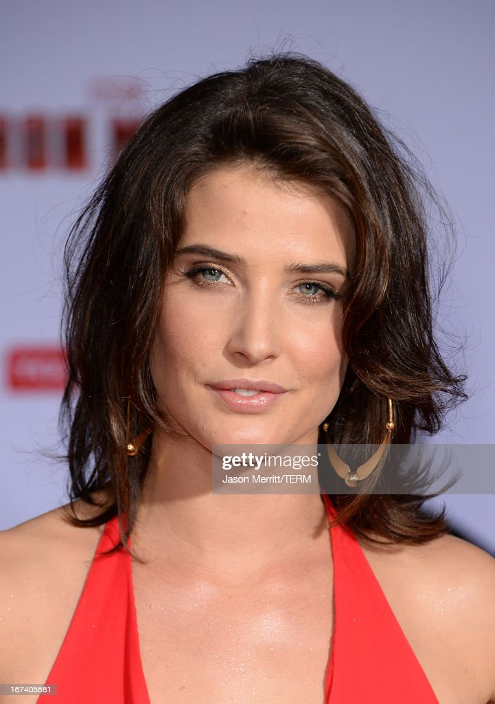 Actress Cobie Smulders attends the premiere of Walt Disney Pictures' 'Iron Man 3' at the El Capitan Theatre on April 24, 2013 in Hollywood, California.