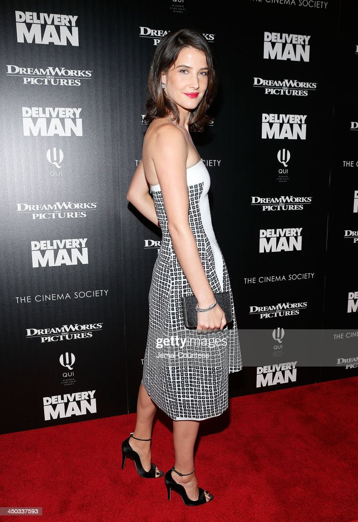Actress <a gi-track='captionPersonalityLinkClicked' href=/galleries/search?phrase=Cobie+Smulders&family=editorial&specificpeople=739940 ng-click='$event.stopPropagation()'>Cobie Smulders</a> attends the screening of 'Delivery Man' hosted by DreamWorks Pictures and The Cinema Society at Paley Center For Media on November 17, 2013 in New York City.