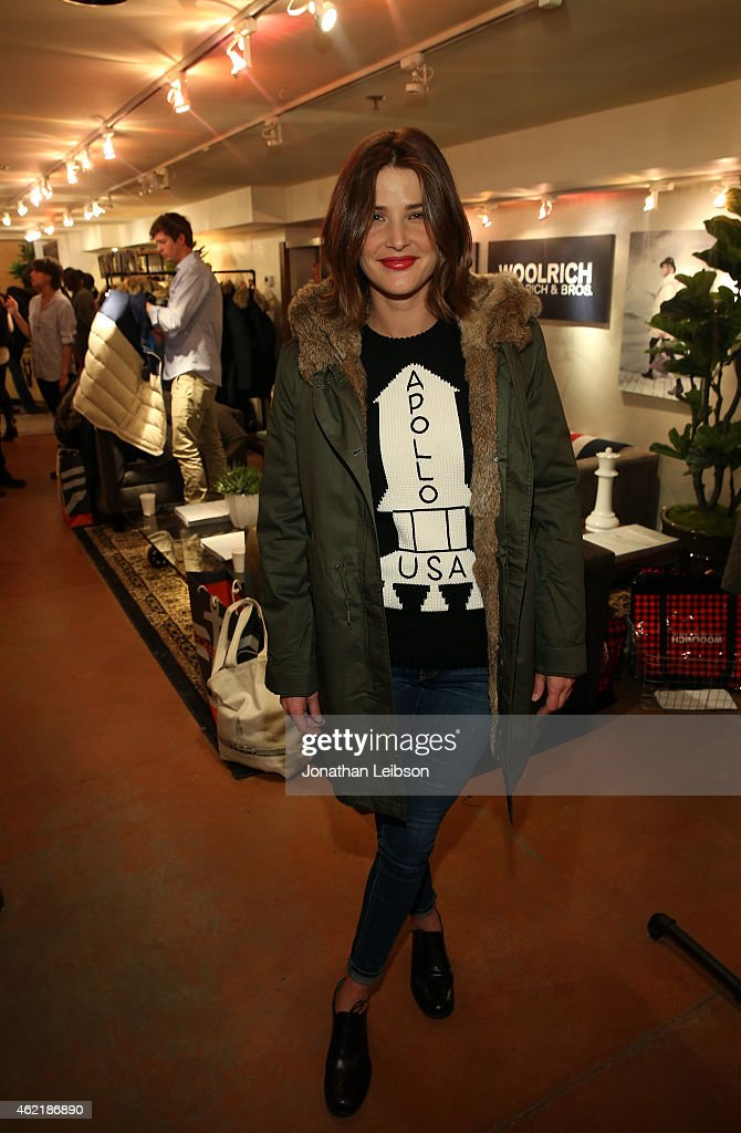 Actress <a gi-track='captionPersonalityLinkClicked' href=/galleries/search?phrase=Cobie+Smulders&family=editorial&specificpeople=739940 ng-click='$event.stopPropagation()'>Cobie Smulders</a> attends The Variety Studio At Sundance Presented By Dockers on January 25, 2015 in Park City, Utah.