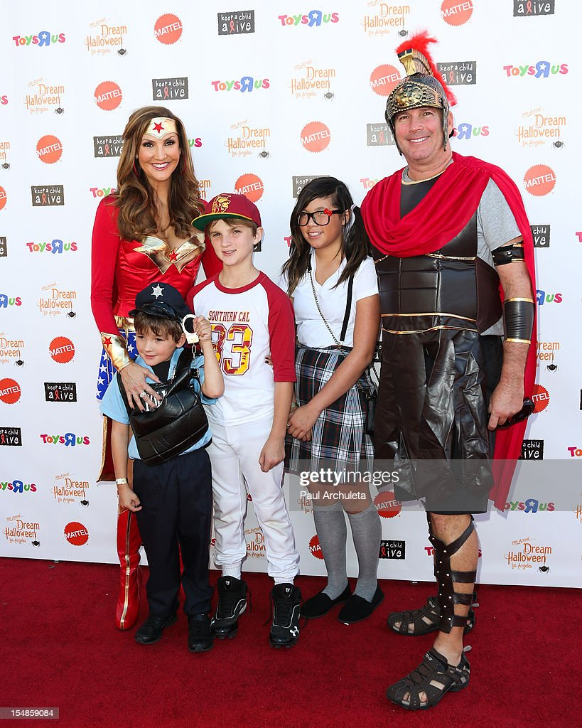 Actress / Comedian <a gi-track='captionPersonalityLinkClicked' href=/galleries/search?phrase=Heather+McDonald&family=editorial&specificpeople=4756128 ng-click='$event.stopPropagation()'>Heather McDonald</a> (L) attends the Keep A Child Alive 2012 Dream Halloween Los Angeles charity event at Barker Hangar on October 27, 2012 in Santa Monica, California.