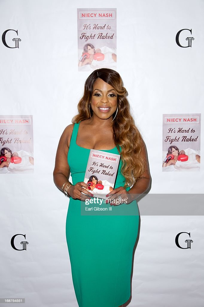 Actress, Comedian Niecy Nash poses on the red carpet at her book release party at Luxe Rodeo Drive Hotel on May 14, 2013 in Beverly Hills, California.