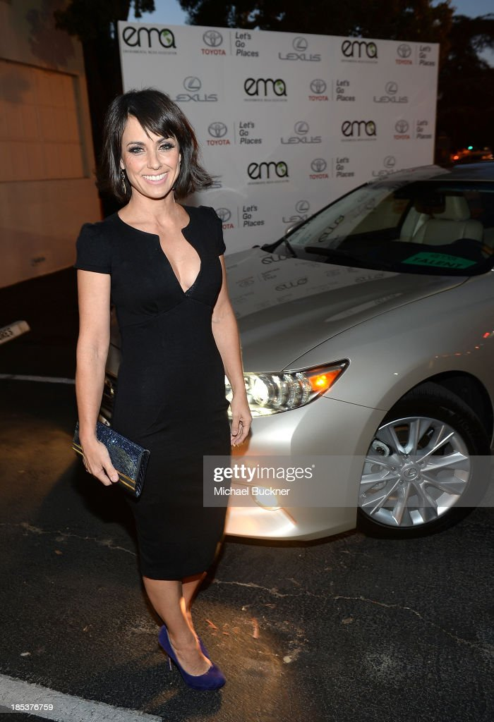 Actress <a gi-track='captionPersonalityLinkClicked' href=/galleries/search?phrase=Constance+Zimmer&family=editorial&specificpeople=217359 ng-click='$event.stopPropagation()'>Constance Zimmer</a> arrives at the 23rd Annual Environmental Media Awards presented by Toyota and Lexus at Warner Bros. Studios on October 19, 2013 in Burbank, California.