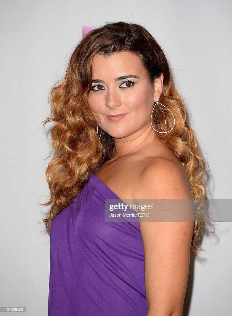 Brie Larson Hairstyles Ponytails Braids Waves further 451238405 in addition Martin Scorsese Robert De Niro Vs Leonardo Dicaprio also 40913 furthermore Room Soars At The Box Office. on oscar award for the room