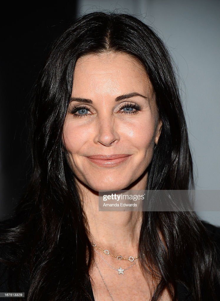 Actress Courteney Cox arrives at the Modernism opening night preview party benefiting P.S. Arts at The Barker Hanger on April 25, 2013 in Santa Monica, California.