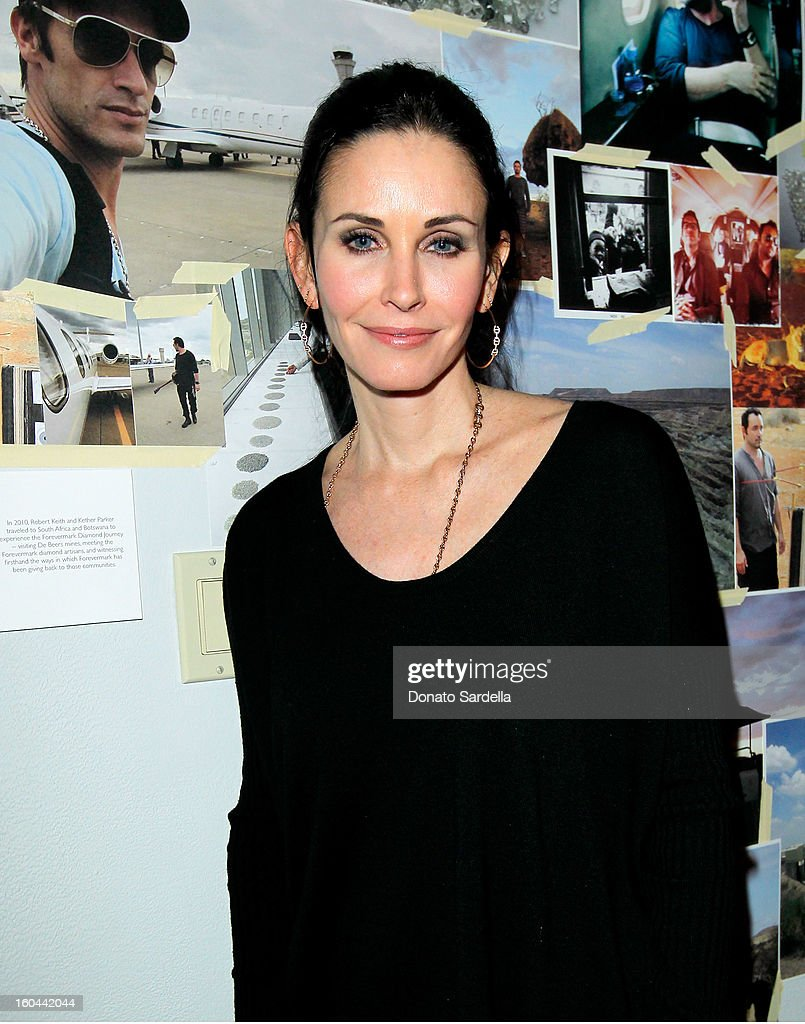 Actress Courteney Cox attends Hoorsenbuhs for Forevermark Collection cocktail party at Chateau Marmont on January 30, 2013 in Los Angeles, California.