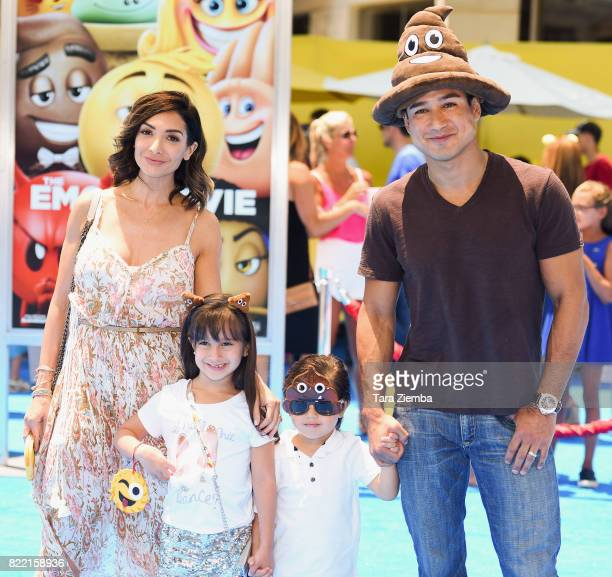 Actress Courtney Laine Mazza Gia Francesca Lopez Dominic Lopez and television personality Mario Lopez attend the premiere of Columbia Pictures and...