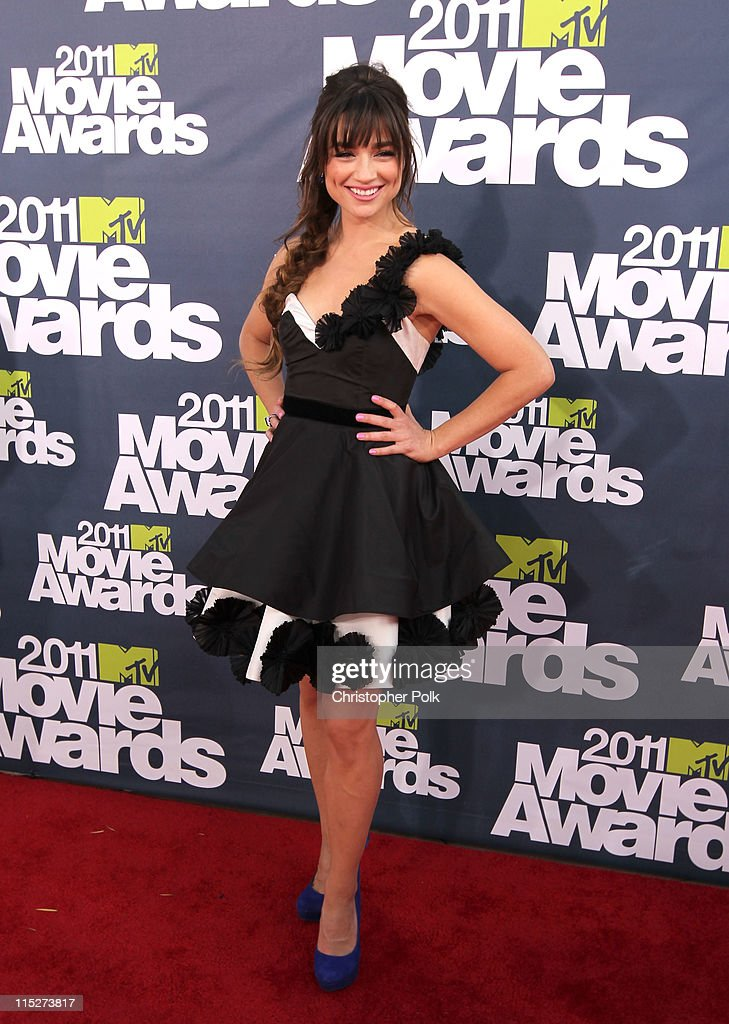 Actress Crystal Reed arrives at the 2011 MTV Movie Awards at Universal Studios' Gibson Amphitheatre on June 5, 2011 in Universal City, California.