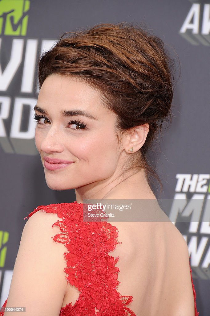 Actress <a gi-track='captionPersonalityLinkClicked' href=/galleries/search?phrase=Crystal+Reed&family=editorial&specificpeople=7115314 ng-click='$event.stopPropagation()'>Crystal Reed</a> arrives at the 2013 MTV Movie Awards at Sony Pictures Studios on April 14, 2013 in Culver City, California.