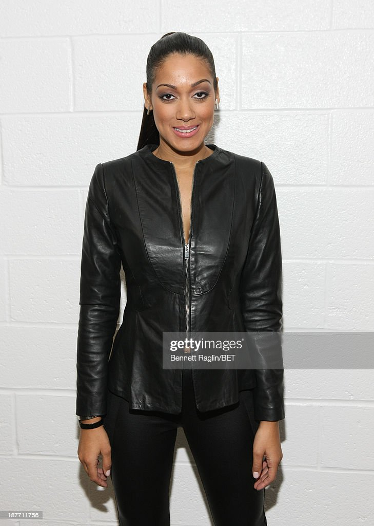 Actress Cynthia Kaye McWilliams visits 106 & Park at 106 & Park studio on November 11, 2013 in New York City.