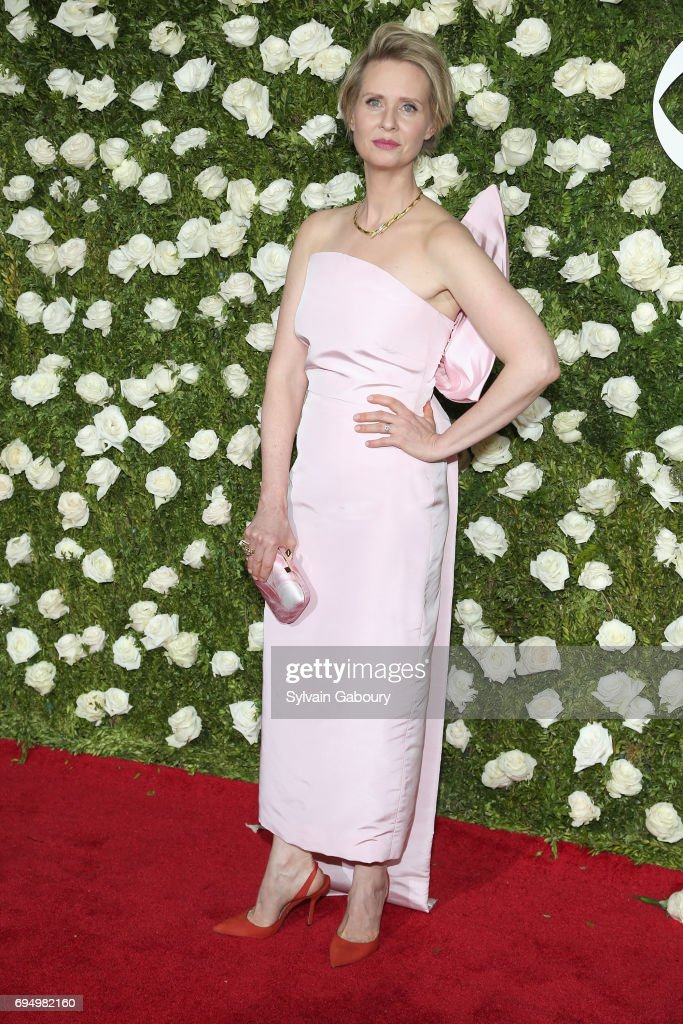 actress-cynthia-nixon-attends-the-2017-tony-awards-at-radio-city-on-picture-id694982160