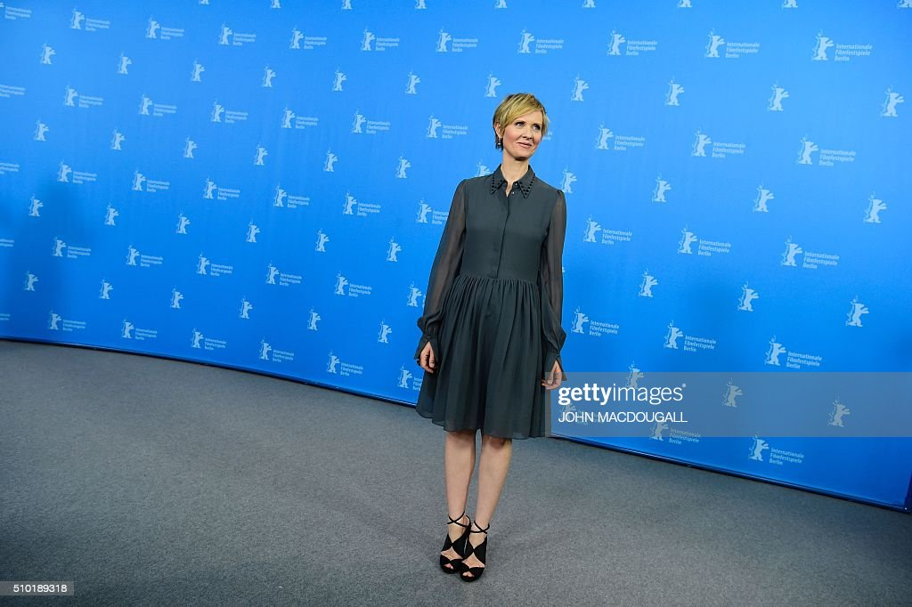 US actress Cynthia Nixon poses during a photocall for the film 'A Quiet Passion' during the 66th Berlinale Film Festival in Berlin on February 14, 2016. / AFP / John MACDOUGALL