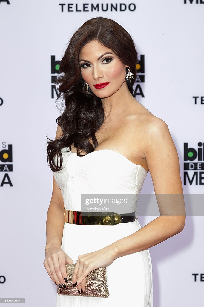 Actress Cynthia Olavarria attends the 2013 Billboard Mexican Music Awards arrivals at Dolby Theatre on October 9, 2013 in Hollywood, California.