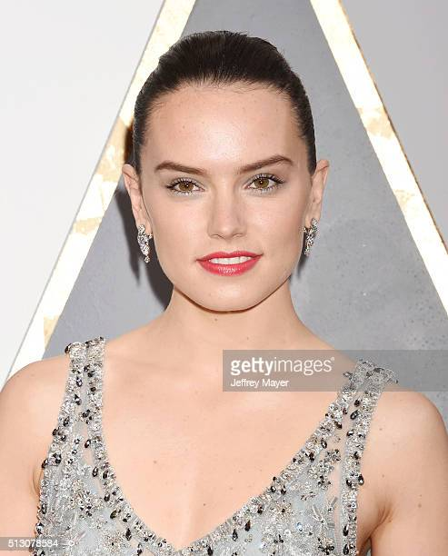 arrives at the 88th Annual Academy Awards at Hollywood Highland Center on February 28 2016 in Hollywood CaliforniaHOLLYWOOD CA FEBRUARY 28 Actress...