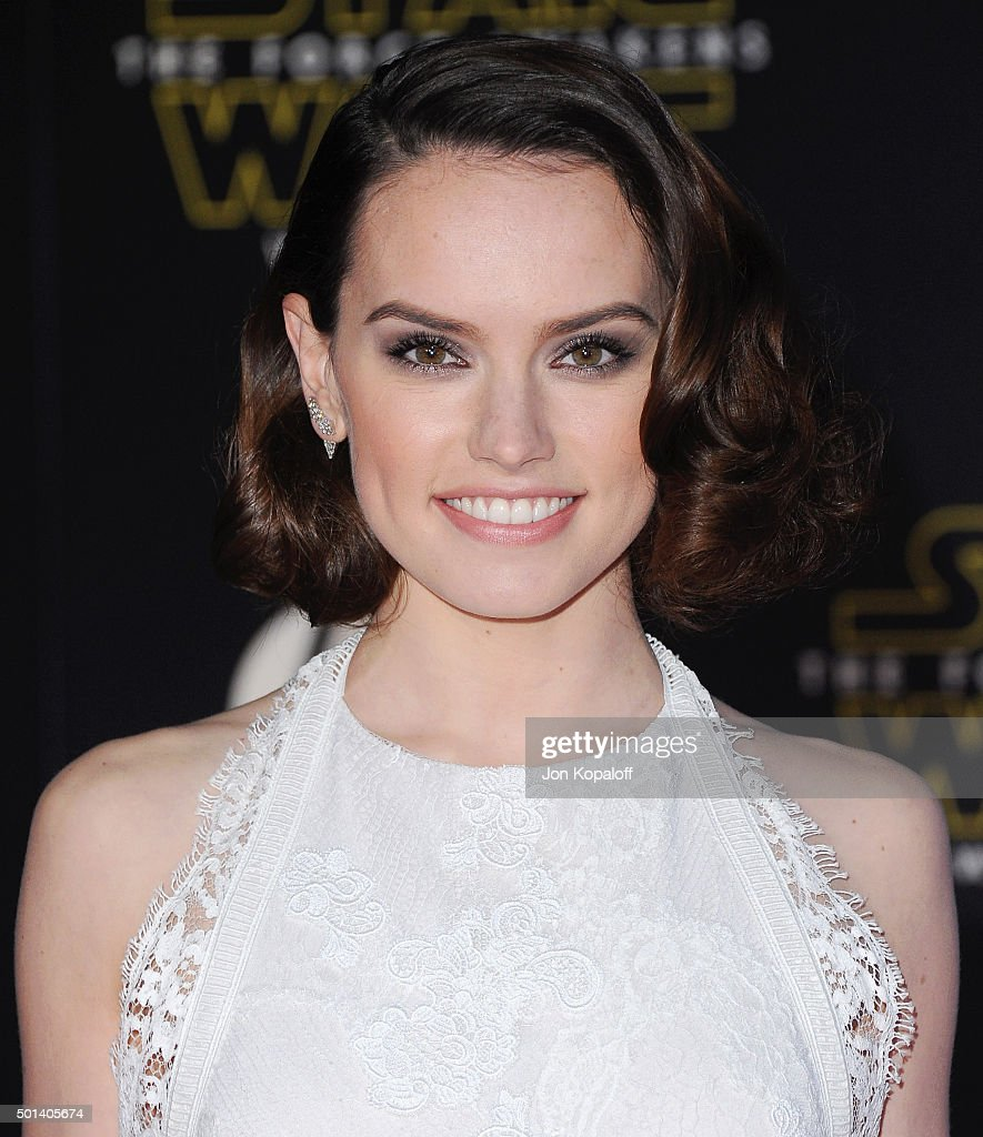 Actress Daisy Ridley arrives at the Los Angeles Premiere 'Star Wars: The Force Awakens' on December 14, 2015 in Hollywood, California.