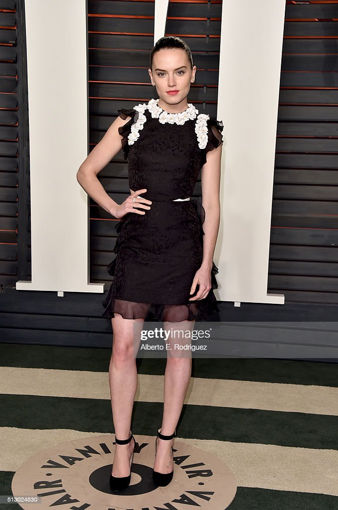 Actress Daisy Ridley attends the 2016 Vanity Fair Oscar Party hosted By Graydon Carter at Wallis Annenberg Center for the Performing Arts on February 28, 2016 in Beverly Hills, California.