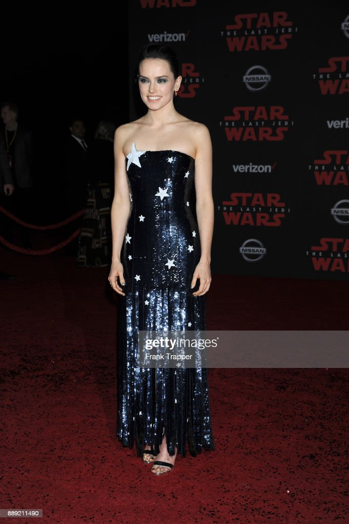 Actress Daisy Ridley attends the premiere of Disney Pictures and Lucasfilm's 'Star Wars: The Last Jedi' held at The Shrine Auditorium on December 9, 2017 in Los Angeles, California.
