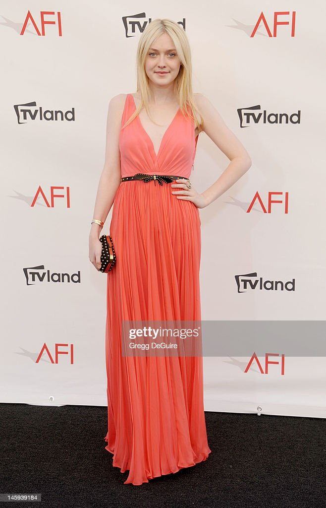 Actress Dakota Fanning arrives at the 40th AFI Life Achievement Award honoring Shirley MacLaine at Sony Studios on June 7, 2012 in Los Angeles, California.
