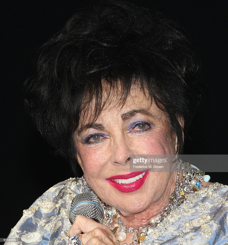 Actress Dame <a gi-track='captionPersonalityLinkClicked' href=/galleries/search?phrase=Elizabeth+Taylor&family=editorial&specificpeople=69995 ng-click='$event.stopPropagation()'>Elizabeth Taylor</a> attends the 27th annual Macy's Passport benefit at the Barker Hangar on September 24, 2009 in Santa Monica, California.