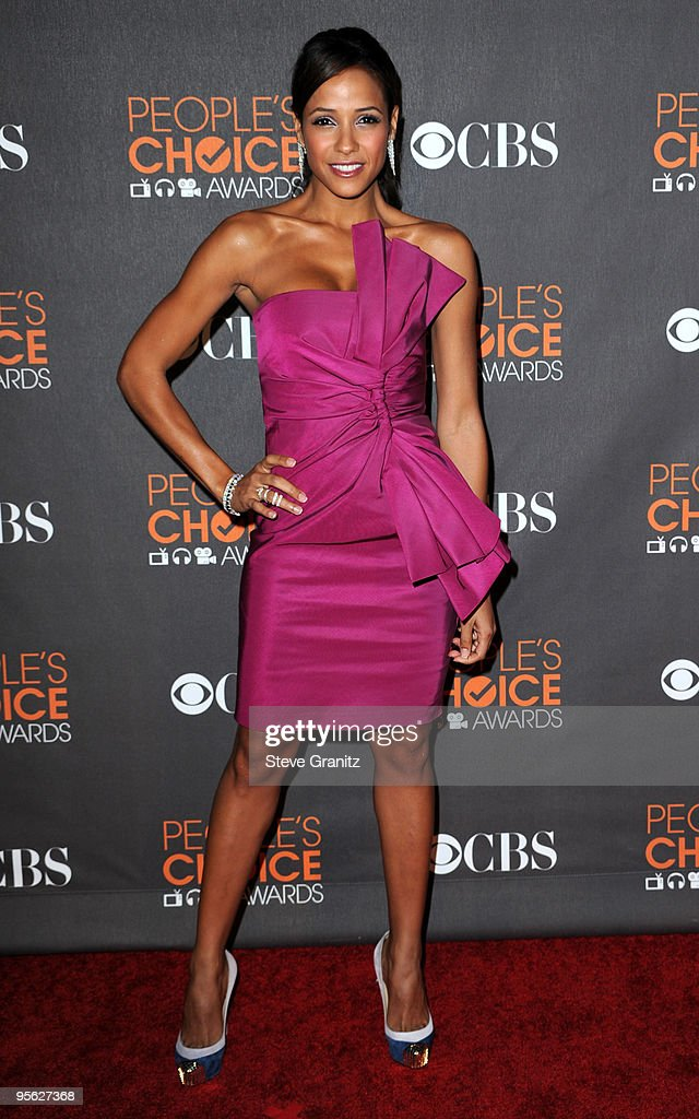 Actress Dania Ramirez arrives at the People's Choice Awards 2010 held at Nokia Theatre L.A. Live on January 6, 2010 in Los Angeles, California.