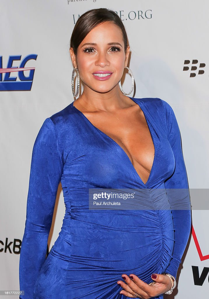 Actress <a gi-track='captionPersonalityLinkClicked' href=/galleries/search?phrase=Dania+Ramirez&family=editorial&specificpeople=213153 ng-click='$event.stopPropagation()'>Dania Ramirez</a> attends the Padres Contra El Cancer 13th annual 'El Sueno De Esperanza' Gala on September 24, 2013 in Los Angeles, California.