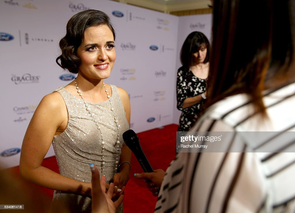 Actress <a gi-track='captionPersonalityLinkClicked' href=/galleries/search?phrase=Danica+McKellar&family=editorial&specificpeople=220769 ng-click='$event.stopPropagation()'>Danica McKellar</a> attends the 41st Annual Gracie Awards at Regent Beverly Wilshire Hotel on May 24, 2016 in Beverly Hills, California.