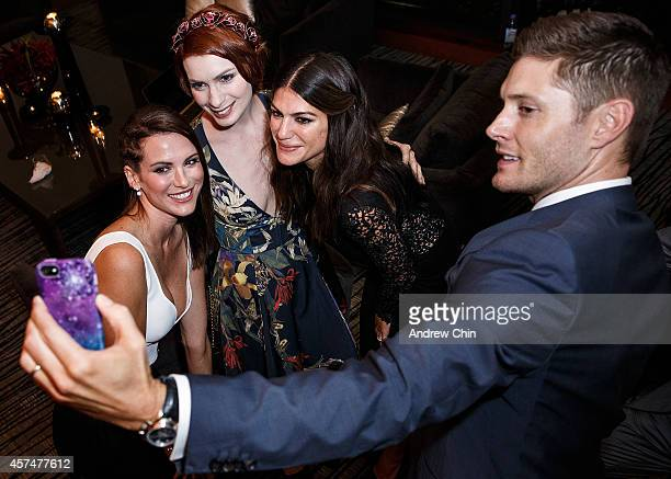 Actress Danneel Ackles Actress Felicia Day Actress Genevieve Padalecki and Actor Jensen Ackles take a selfie at the 200th episode of 'Supernatural'...