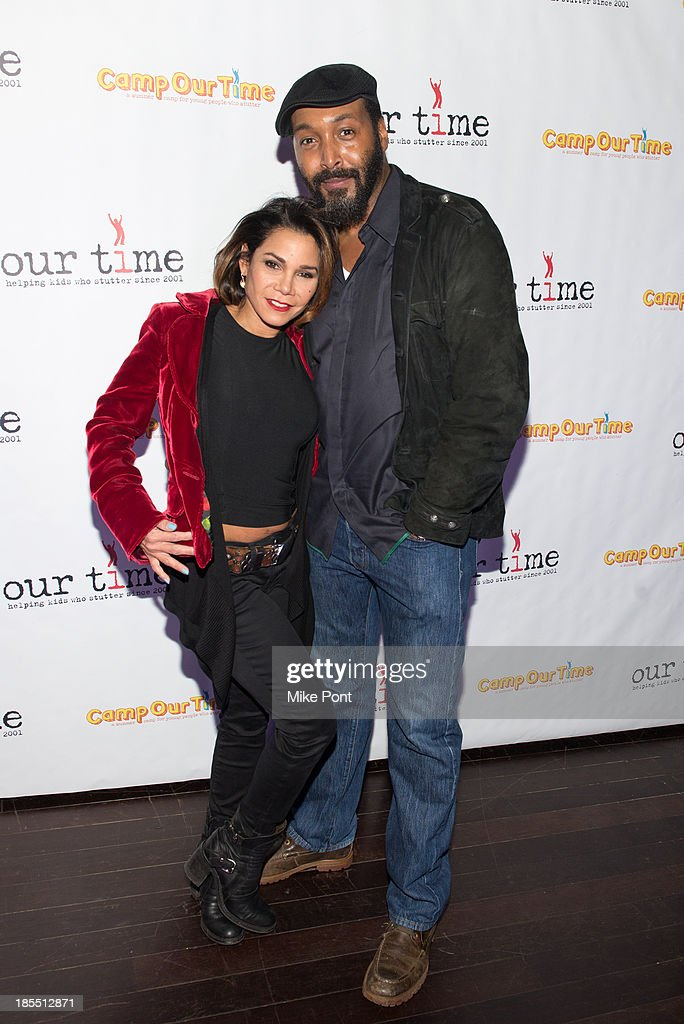 Actress <a gi-track='captionPersonalityLinkClicked' href=/galleries/search?phrase=Daphne+Rubin-Vega&family=editorial&specificpeople=216574 ng-click='$event.stopPropagation()'>Daphne Rubin-Vega</a> and Actor <a gi-track='captionPersonalityLinkClicked' href=/galleries/search?phrase=Jesse+L.+Martin&family=editorial&specificpeople=227044 ng-click='$event.stopPropagation()'>Jesse L. Martin</a> attend the Paul Rudd 2nd Annual All-Star Bowling Benefit at Lucky Strike on October 21, 2013 in New York City.