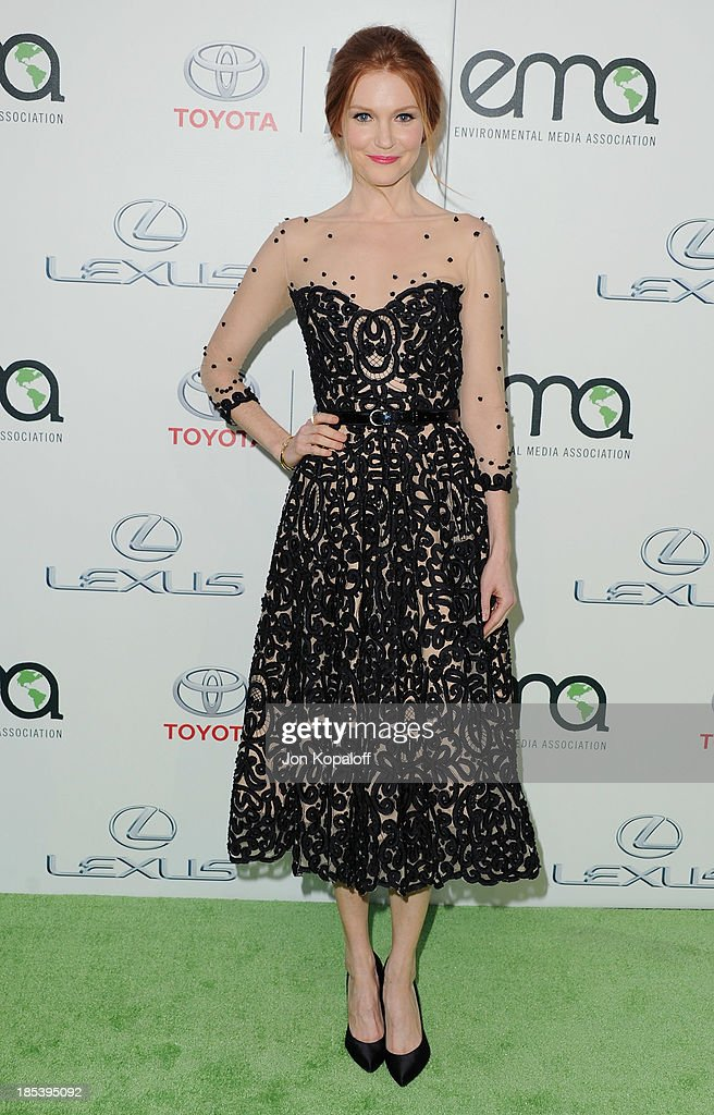 Actress <a gi-track='captionPersonalityLinkClicked' href=/galleries/search?phrase=Darby+Stanchfield&family=editorial&specificpeople=4068945 ng-click='$event.stopPropagation()'>Darby Stanchfield</a> arrives at the 2013 Environmental Media Awards at Warner Bros. Studios on October 19, 2013 in Burbank, California.