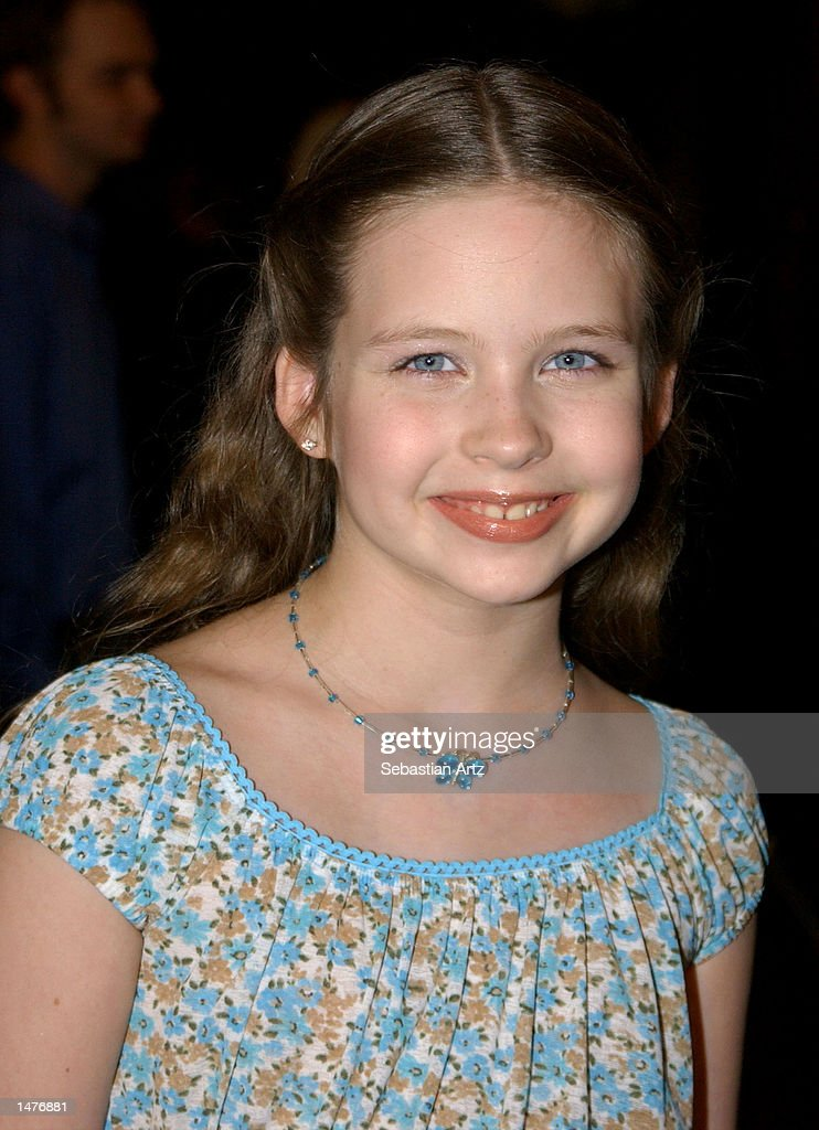 Actress Daveigh Chase arrives at the premiere of the movie 'Hansel & Gretel' on October 14, 2002 in Los Angeles, California.