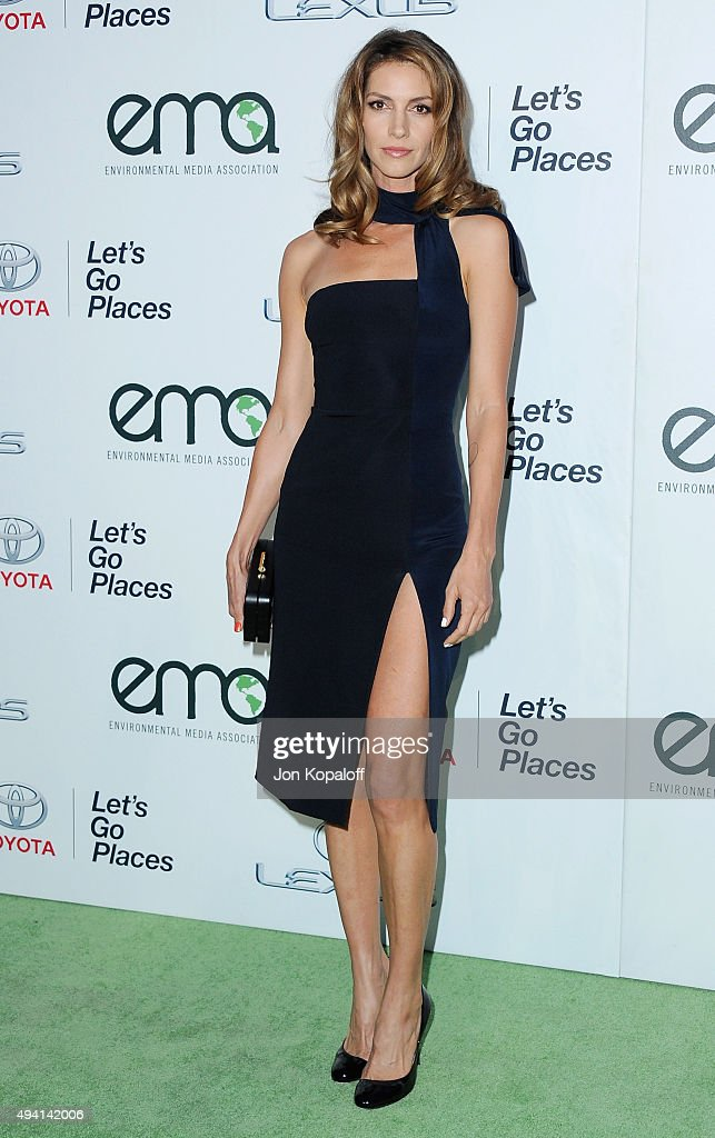 Actress Dawn Olivieri arrives at Environmental Media Association Hosts Its 25th Annual EMA Awards Presented By Toyota And Lexus at Warner Bros. Studios on October 24, 2015 in Burbank, California.