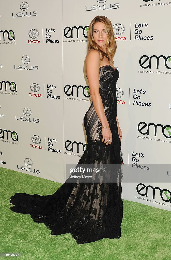Actress Dawn Olivieri arrives at the 2013 Environmental Media Awards at Warner Bros. Studios on October 19, 2013 in Burbank, California.