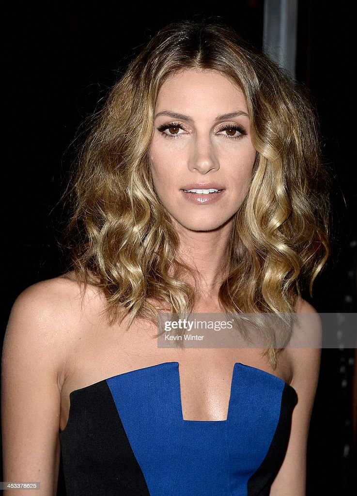 Actress <a gi-track='captionPersonalityLinkClicked' href=/galleries/search?phrase=Dawn+Olivieri&family=editorial&specificpeople=2516888 ng-click='$event.stopPropagation()'>Dawn Olivieri</a> attends Columbia Pictures And Annapurna Pictures' 'American Hustle' Special Screening at Directors Guild Of America on December 3, 2013 in Los Angeles, California.