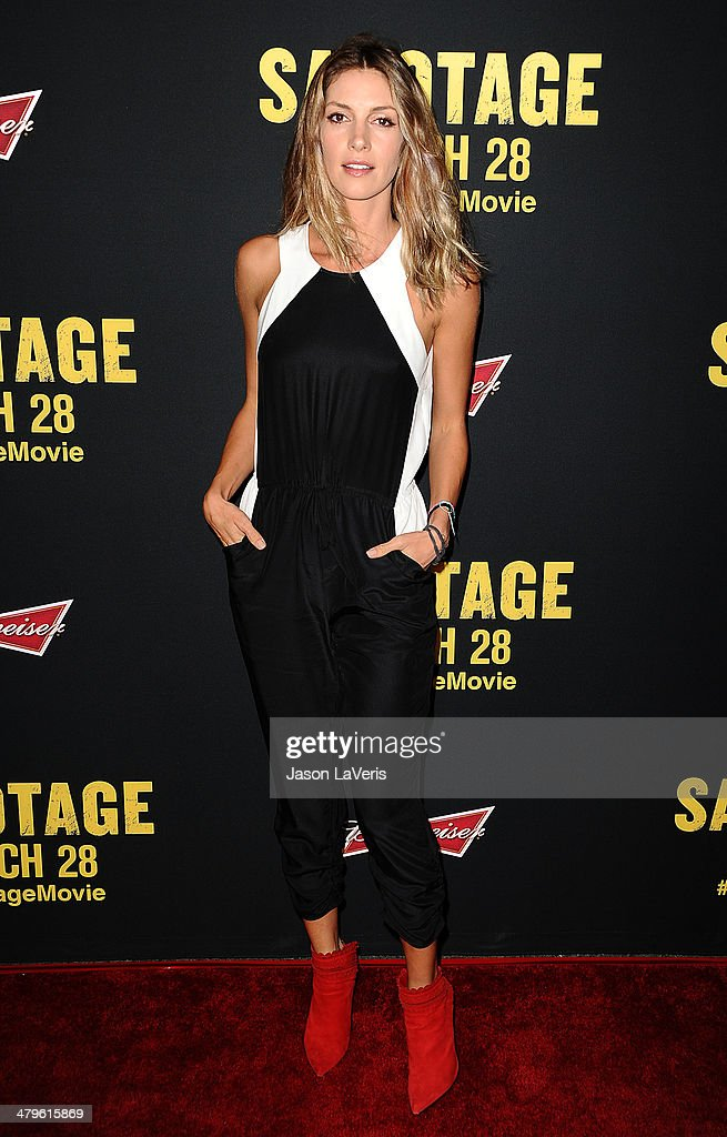 Actress <a gi-track='captionPersonalityLinkClicked' href=/galleries/search?phrase=Dawn+Olivieri&family=editorial&specificpeople=2516888 ng-click='$event.stopPropagation()'>Dawn Olivieri</a> attends the premiere of 'Sabotage' at Regal Cinemas L.A. Live on March 19, 2014 in Los Angeles, California.