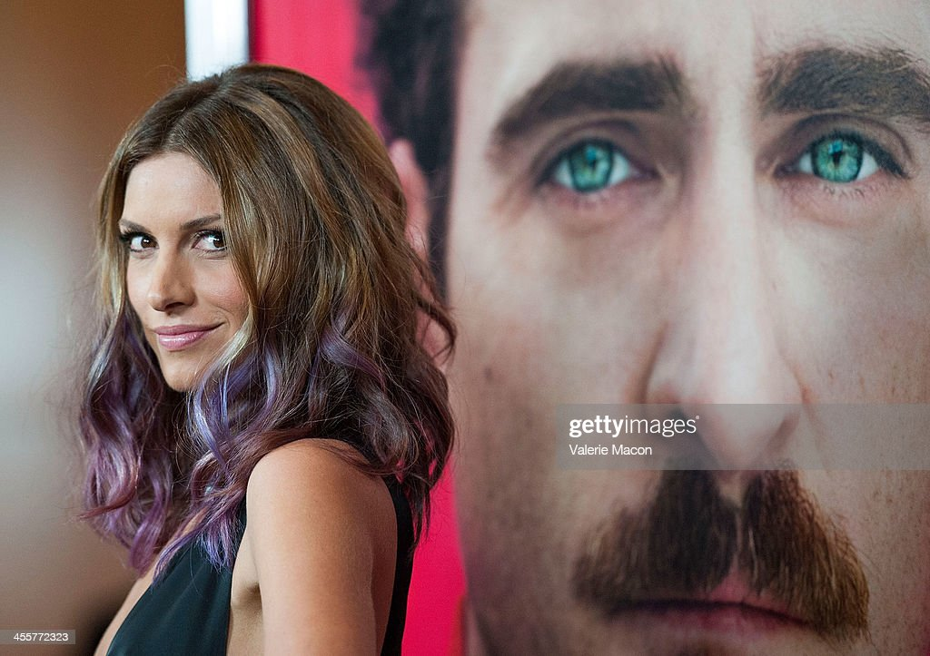 Actress <a gi-track='captionPersonalityLinkClicked' href=/galleries/search?phrase=Dawn+Olivieri&family=editorial&specificpeople=2516888 ng-click='$event.stopPropagation()'>Dawn Olivieri</a> attends the premiere of Warner Bros. Pictures' 'Her.' at DGA Theater on December 12, 2013 in Los Angeles, California.
