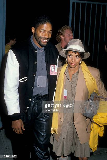 Actress Debbie Allen and husband Norman Nixon attending 'Human Rights Now Rally' on September 21 1988 at the Los Angeles Memorial Coliseum in Los...