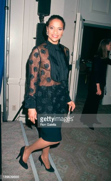 Actress Debbie Allen attending 46th Annual Director's Guild Of America Awards on March 5 1994 at the Beverly Hilton Hotel in Beverly Hills California