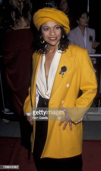 Actress Debbie Allen attenidng the west coast premiere of 'Malcolm X' on November 17 1992 at the Academy Theater in Beverly Hills California
