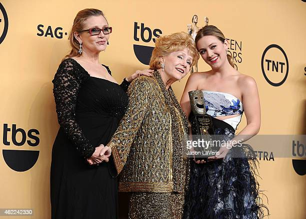 Actress Debbie Reynolds actress Carrie Fisher and Billie Lourd pose in the press room at the 21st annual Screen Actors Guild Awards at The Shrine...