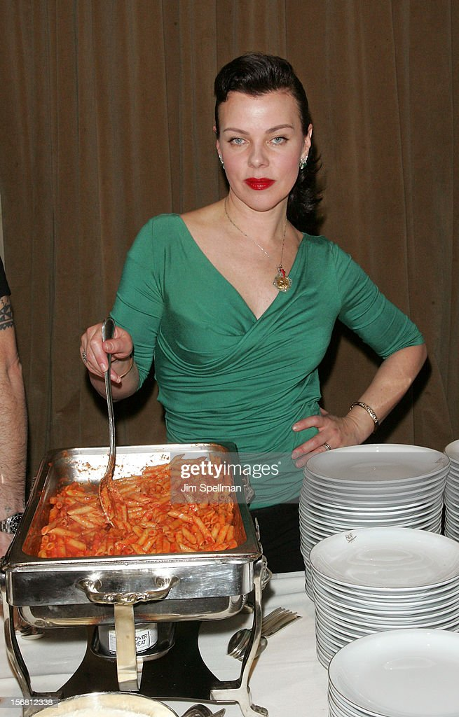 Actress <a gi-track='captionPersonalityLinkClicked' href=/galleries/search?phrase=Debi+Mazar&family=editorial&specificpeople=212937 ng-click='$event.stopPropagation()'>Debi Mazar</a> attends Our Table Is Yours - A Thanksgiving Dinner Benefit at Cipriani Wall Street on November 21, 2012 in New York City.
