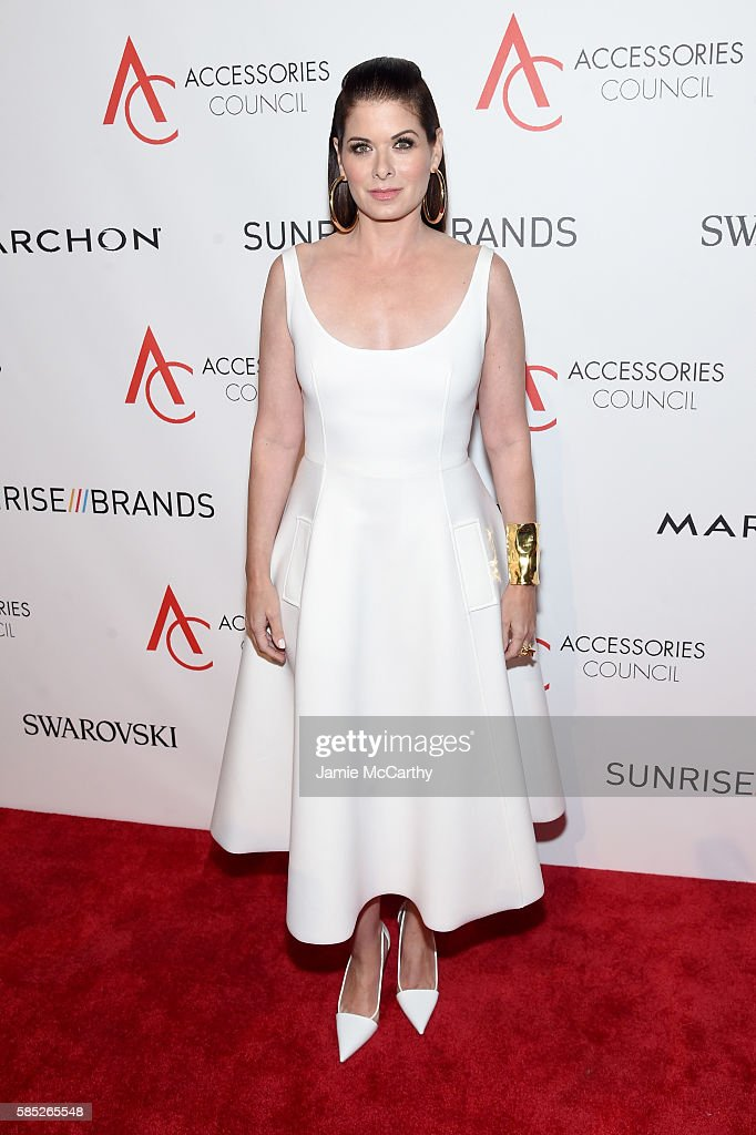 Actress Debra Messing attends the Accessories Council 20th Anniversary celebration of the ACE awards at Cipriani 42nd Street on August 2 2016 in New...