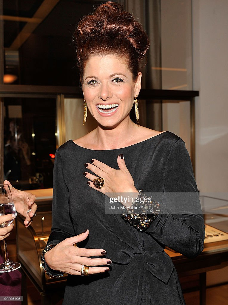 Actress <a gi-track='captionPersonalityLinkClicked' href=/galleries/search?phrase=Debra+Messing&family=editorial&specificpeople=202114 ng-click='$event.stopPropagation()'>Debra Messing</a> attends the Rodeo Drive Walk Of Style held at the Cartier Boutique on October 22, 2009 in Beverly Hills, California.